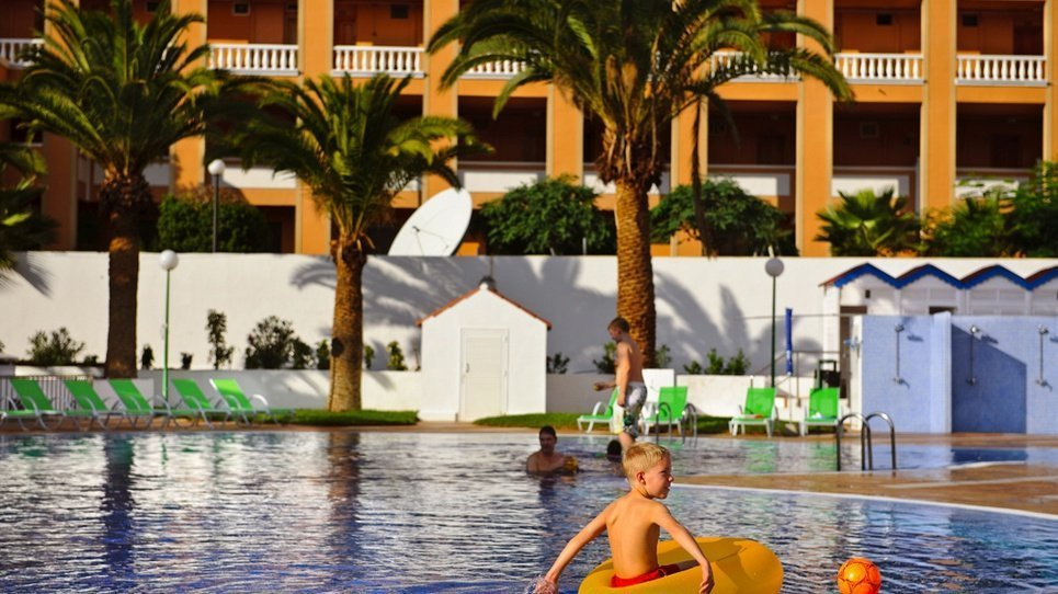 KINDERPOOL Coral Compostela Beach Hotel